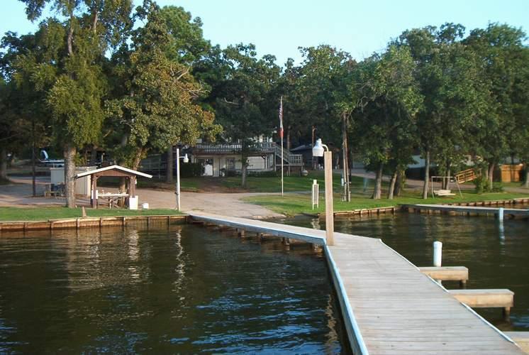 fishing dock malakoff texas cherokee landing cedar creek lake